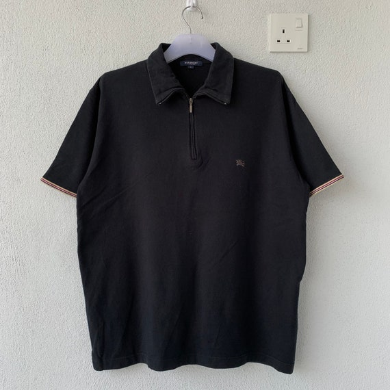 BURBERRY polo shirt spell out small logo.. Vintage