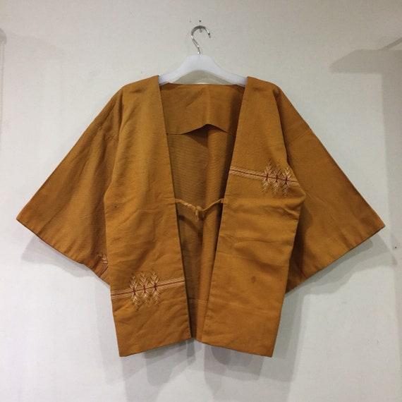 Vintage Japanese KIMONO jacket.. short kimono.. vi