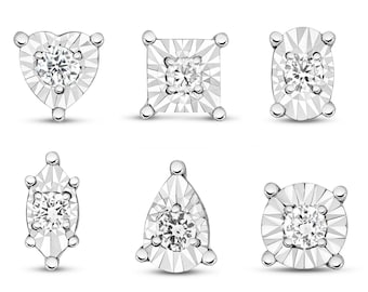 Pair of 9ct White Gold 0.10ct GSi Diamond Illusion 6mm Stud Earrings