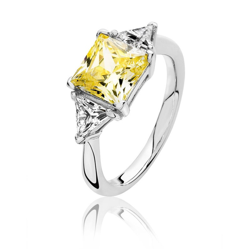 Rhodium Plated 925 Sterling Silver Claw Set Yellow Princess /& Trillion Cut 3 Stone Cz Engagement Ring