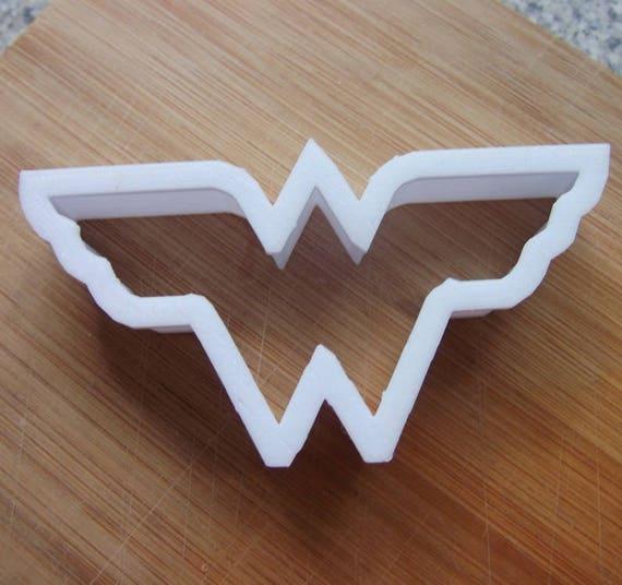 Wonder Woman Superhero Logo Cookie Cutter  Biscuit Stamp Cake Topper Fondant