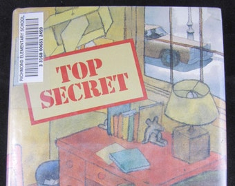 Top Secret // 1984 Hardback // Grade School Chapter Book // Science and human Photosynthesis// ISBN 0316303682