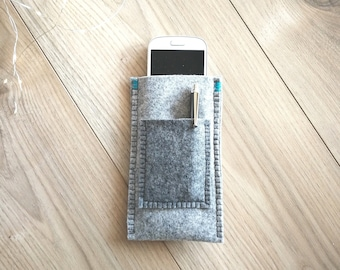 Universal Smartphone Case, with Credit Card Pocket, Protective Glasses Cover in Soft Grey Felt