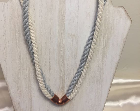 Twisted Mini Necklace in Gray and Natural
