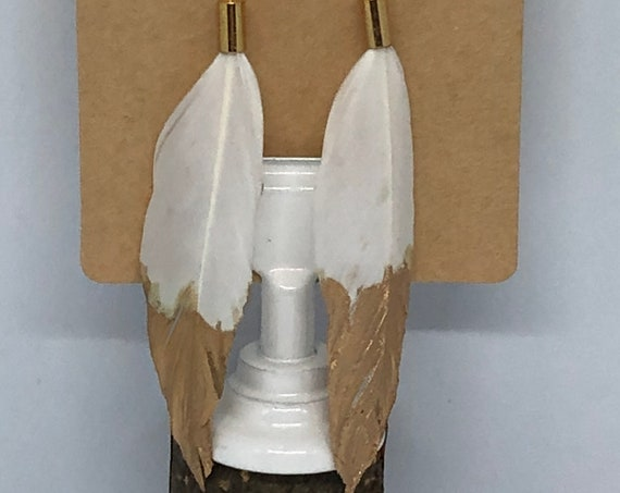 Simple White Feather Earrings - FREE SHIPPING