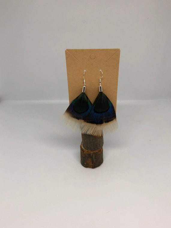 Sophisticated Feather Earrings - FREE SHIPPING