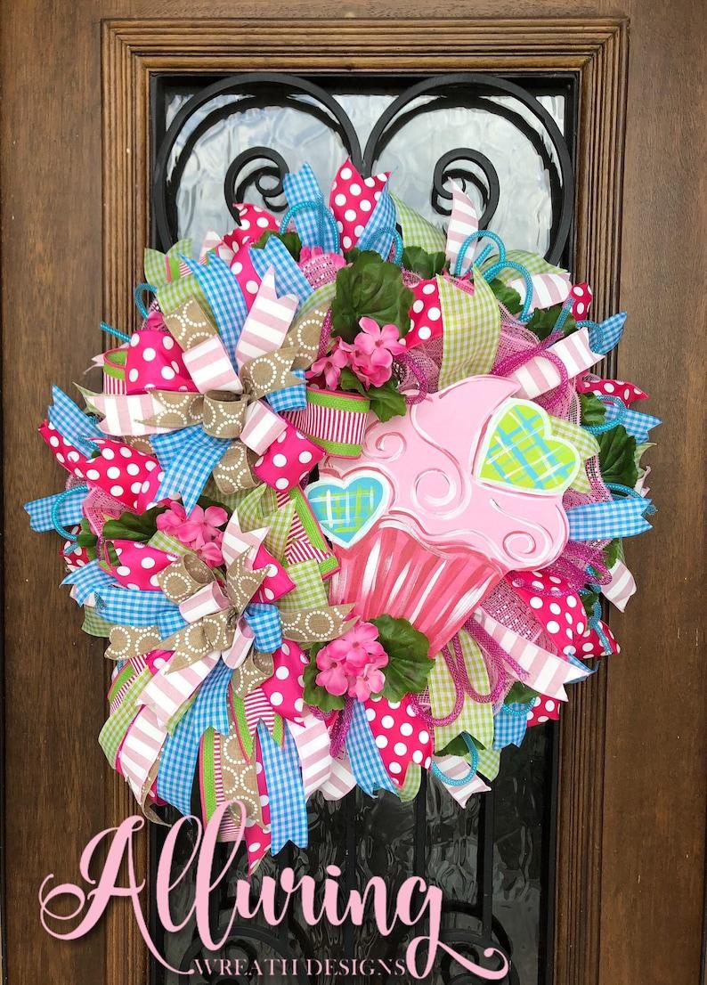 Cupcake Wreath for Birthday Celebration image 0