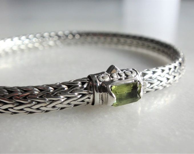 Gorgeous sterling silver bracelet elegant snake chain link set with beautiful green peridot / 925 silver bracelet handmade bracelet