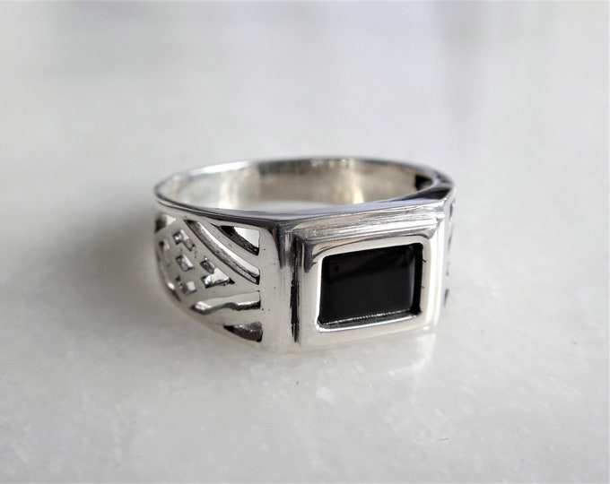 Mens ring silver black onyx / Sterling silver ring for men signet ring men 925 silver ring gemstone ring gift for men stone ring men