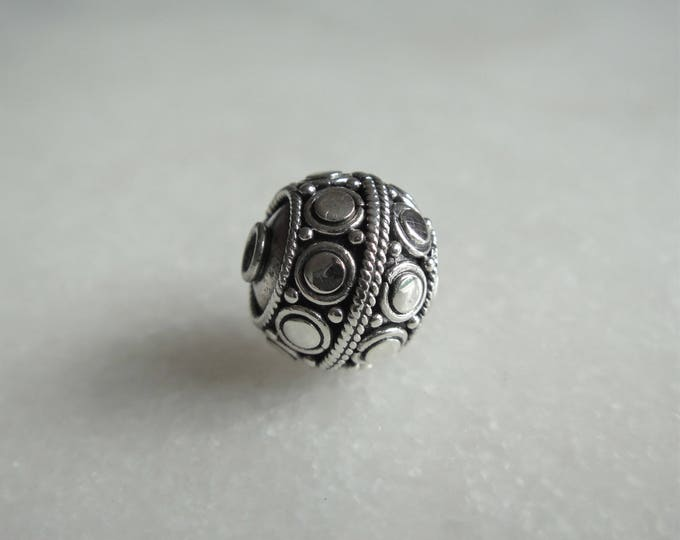 9 sterling silver beads 10mm 0.39in finely worked / Wholesale sterling silver beads Bali supply 10mm silver supply jewelry Bali beads