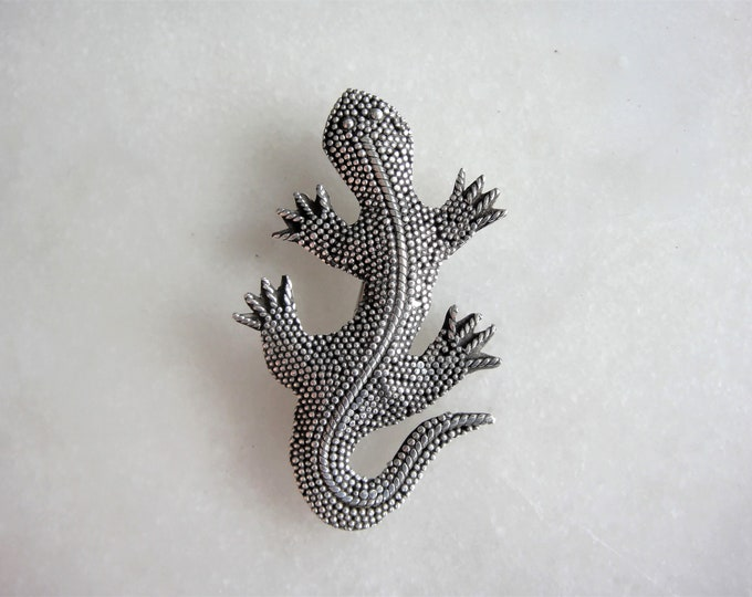 Sterling silver pendant salamander lizard shaped / Lizard pendant silver brooch reptile pendant animal shaped jewel original gift
