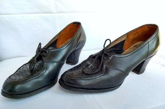 Image result for lady's shoews 1940s