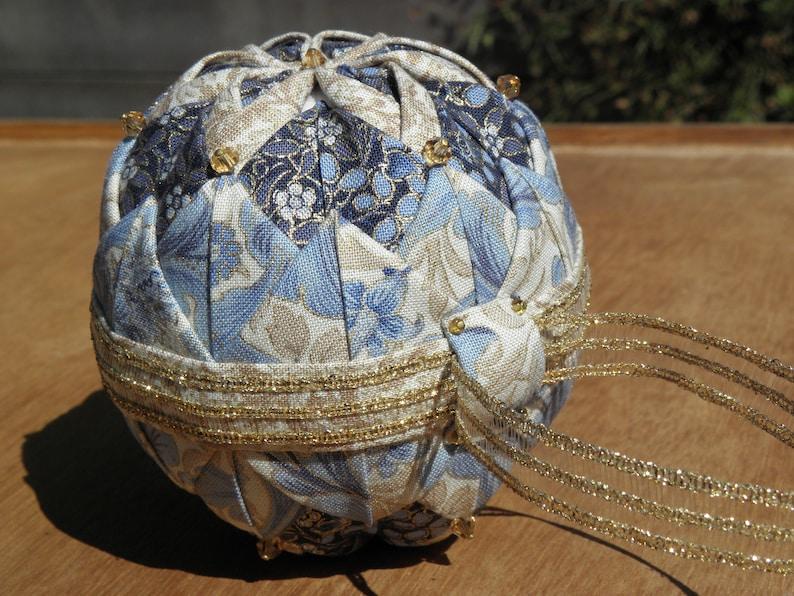 English Tutorial 3D-flower ornament