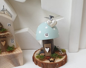 Toadstool Cottage .. Duck egg with Auntie charm ref 10
