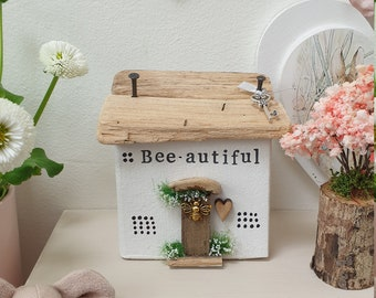 Bee-autiful Cottage.. Freestanding.. ready to dispatch