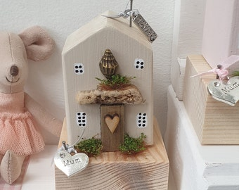 Shell Cottage with Mum charm .. ready to dispatch ref 8