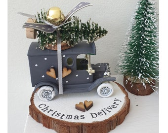 Slate Grey vintage truck car  ..Personalised Snowy Log Slice