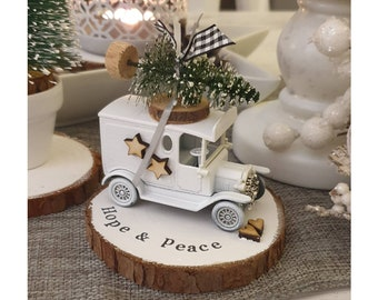 Christmas White Vintage truck with Christmas tree on top ....Personalised Snowy Log Slice ref 5
