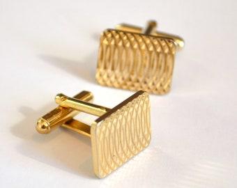 Gold Cufflinks / Mens Cufflinks / Gift for Groom / Groomsmen Gift / Wedding GIft / Vintage Cufflinks / Gift for Husband / Gift for Him