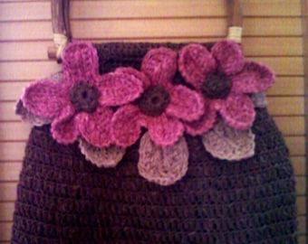 The trio of flowers crochet bag
