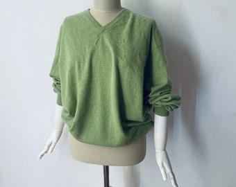 Pure Cashmere Sweater / Light Green V-neck Pullover