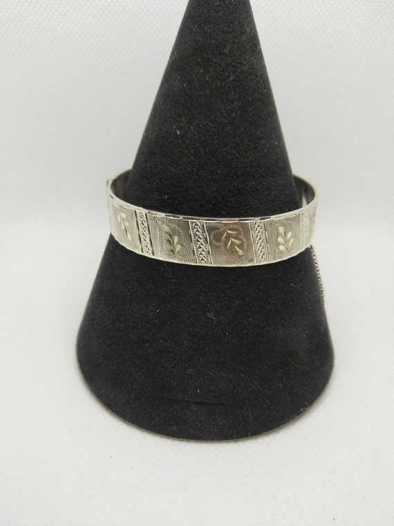 Victorian aesthetic hallmarked silver bangle.