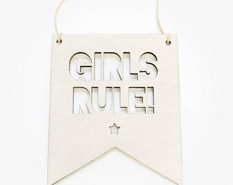 Girls rule / wooden wall sign/ nursery decor/ scandinavian design/ Wall sign/ girls bedroom / girls birthday /pretty girls room/girls room