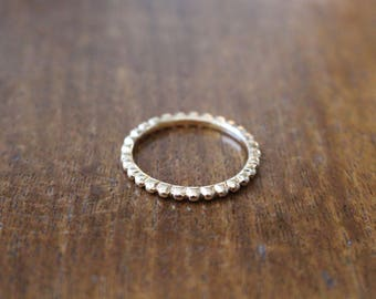 Vintage gold tone metal ring