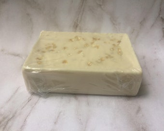 Oatmeal, almond and honey soap/ natural soap / gentle skin / oatmeal /bar soap