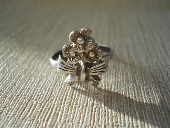 USSR Floral Ring Soviet 925  star Vintage silver Ring with  stone