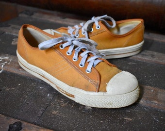96e296bac04e4f 50s Canvas Sneakers Men s 6   Women s 8 Low Tops Orange Basketball Made In  USA