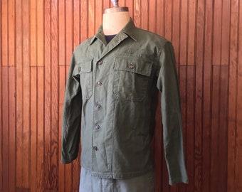b39961c3139 U.S. Army Medium Vietnam Era Fatigue OG 107 Shirt Men s Vintage Green  Sateen Cotton Military Jacket