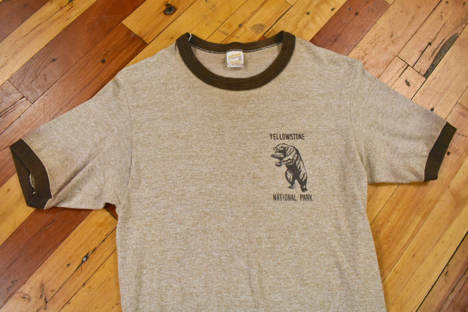 1970s Mens Shirt Styles – Vintage 70s Shirts for Guys 70S 80S Yellowstone XsSmall Ringer Tee Vintage National Park T-Shirt $20.00 AT vintagedancer.com