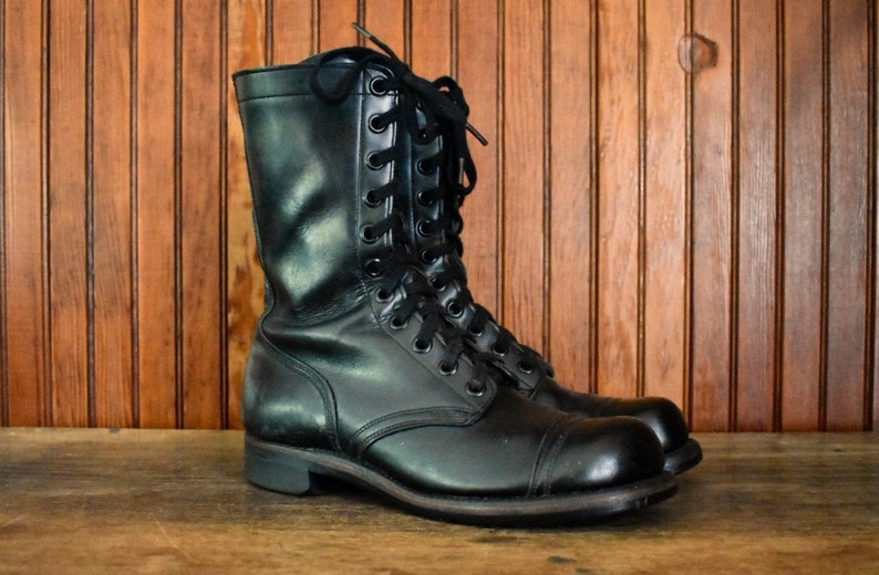 cd41375f0b8f7 60s Combat Boots 8.5 R US Military Issue Black Leather Lace Up Cap Toe  Men's Vintage