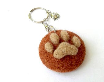 Keyring with brown pendant with dog or cat footprint, gift for animal lovers, personalized gift, gift for dads