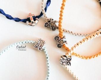 Friendship Bracelets at the macramé