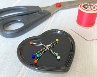 Black Heart China Magnetic Pin Dish