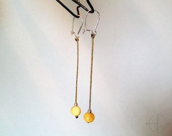 Dangling earrings, amber and jade wire