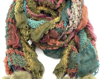 9bd7c7b59cd1 Écharpe femme laine tricotée vert pompons fourrure de lapin. Chaude - Cadeau  hiver