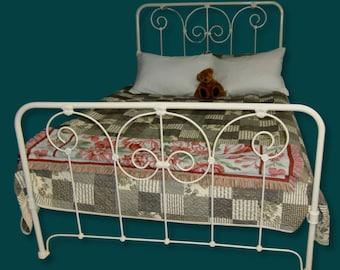 f37a39cfbdf Full Antique Cast Iron Bed