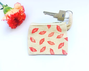 Purse kisses, coin purse, small wallet, with zipper and keyring.