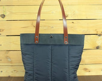Waxed Canvas tote bag, Travel bag, canvas tote, hand-Waxed bag with beeswax, tote bag with leather, canvas and nylon bag.