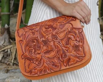 92b0a29463 Tooled leather purse
