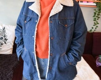 True Vintage 70s Adult's Wrangler Sherpa Jacket  / denim jacket / acid wash / 70s vintage / vintage wrangler