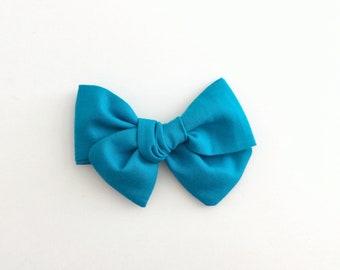 Pinwheel Bow | Caribbean Blue