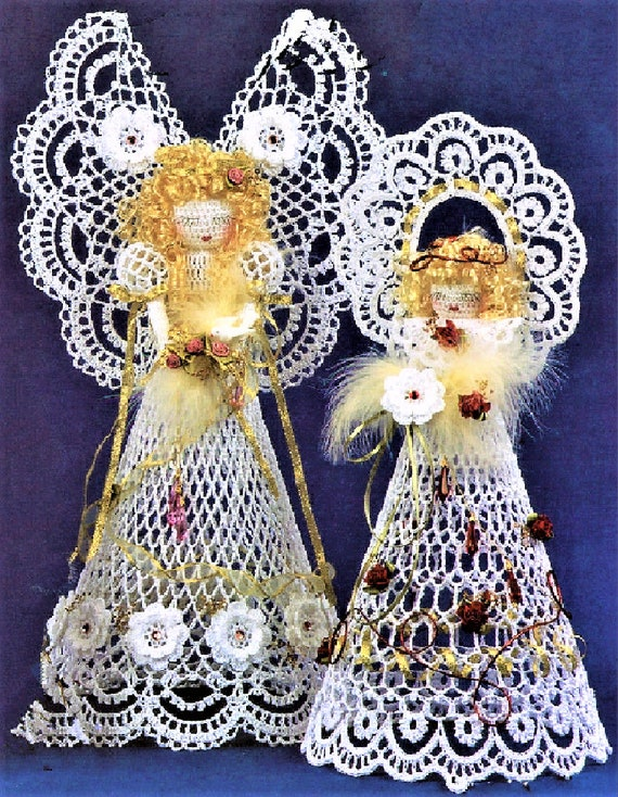 DECORATION 4-PLY KNITTING PATTERN BEAUTIFUL CHRISTMAS ANGEL TABLE CENTREPIECE