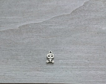 Baby boy pendant. 17x10mm 1 unit. silver zamak