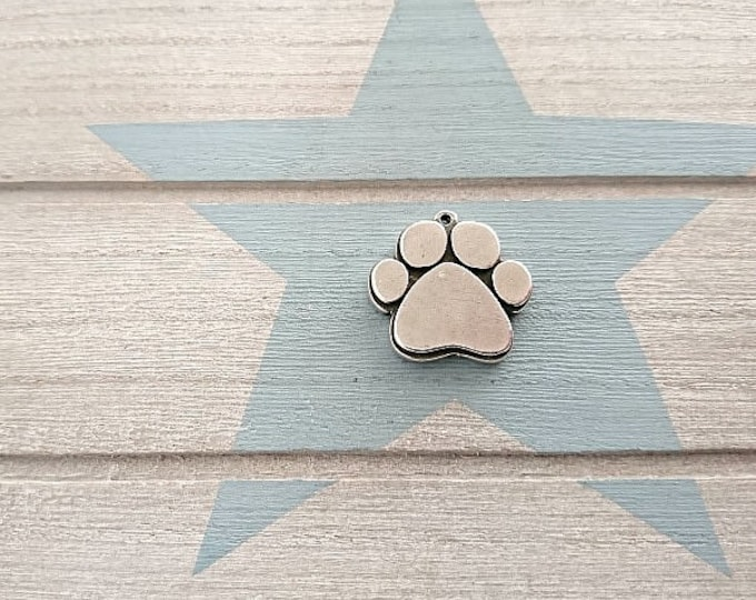 Dog Footprint Pendant. 24x21mm. Pewter Silver plated. Suitable for handmade engraving with punches.