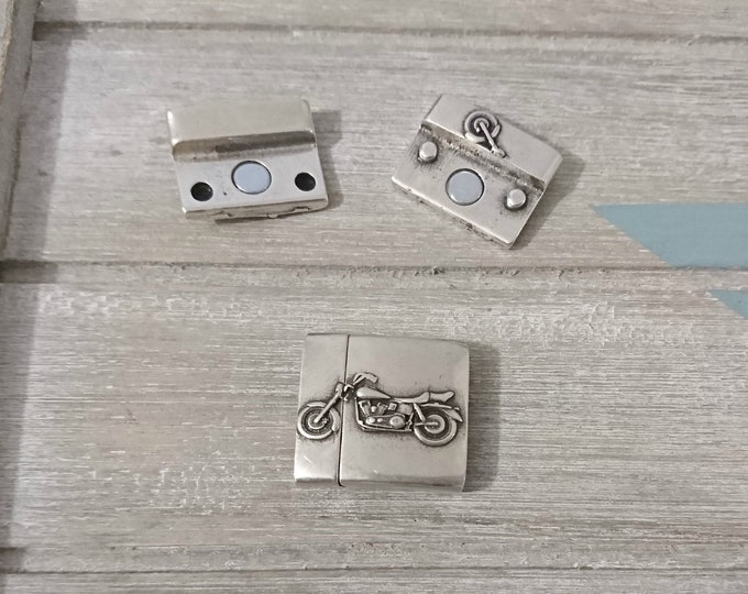 1 Close motorcycle magnet. 20x3mm interior zamak with silver
