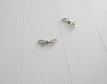 1 Dragonfly wings. 27x11mm 3mm inner pass. Zamak bathroom silver. DIY